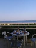 petit-dejeuner-balcon-web-1353877