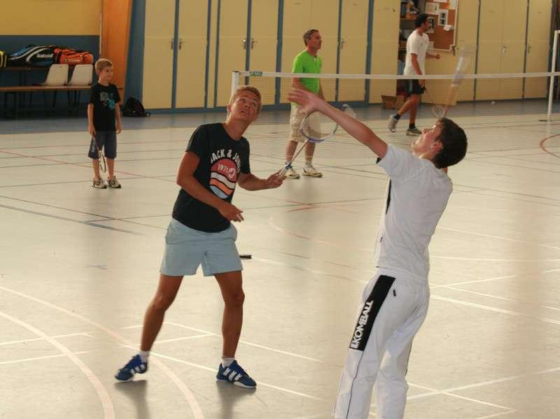 Lundi Diabolik badminton